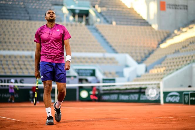 Jo-Wilfried Tsonga was eliminated as soon as he entered Roland Garros after a defeat against the Japanese Yoshihito Nishioka on May 31, 2021.