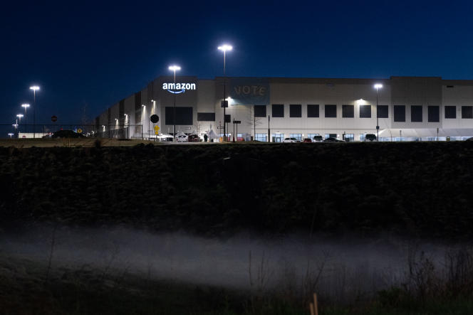 Amazon's distribution warehouse at the center of an organizing campaign in March 2021 in Bessemer, Alabama.
