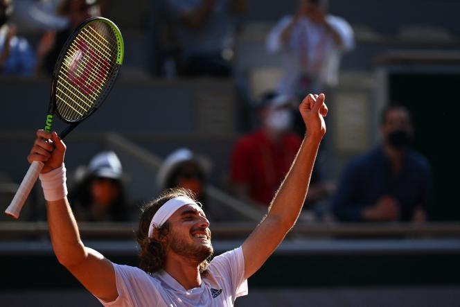After almost three and forty hours of play, the Greek Stefanos Tsitsipas defeated the German Alexander Zverev in five sets.