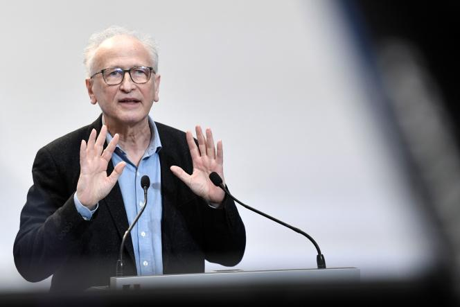 Professor Alain Fischer, February 25 in Paris.  According to the chairman of the orientation council for the vaccination strategy, the vaccination of 16-17 year olds could begin at the beginning of the summer.